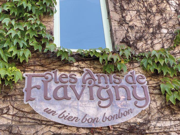 Village of Flavigny-sur-Ozerain (Photo Maud Humbert, Bourgogne-Franche-Comté Tourisme