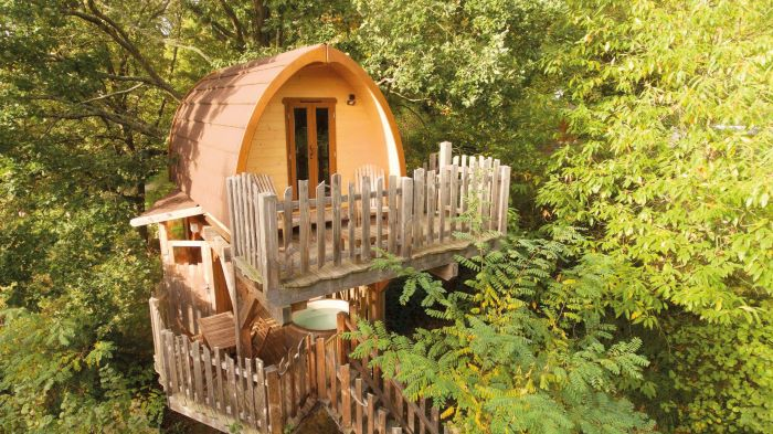 carry on glamping at Le Bois de Rosoy just 90 minutes from Paris